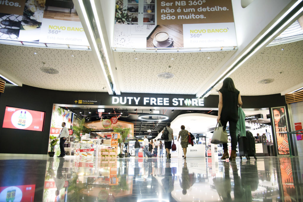 Entrada DUTY FREESTORE - Copy